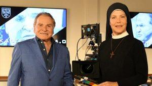 """""""Um Himmels Willen"""": Fritz Wepper und Janina Kunze gehören zu den Hauptdarstellern der Serie. (Quelle: ARD/Barbara Bauriedl)"""